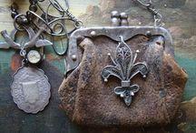 frame purses / by Jessamyn Sommers