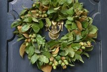 Wreathes / Wreathes of welcome from all over the world