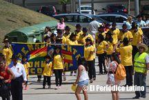Celebración de las Fiestas Patrias de Bolivia en Badalona / La comunidad boliviana en Cataluña se reunió este fin de semana para la celebración de las Fiestas Patrias de Bolivia y en donde participaron artistas, autoridades e invitados especiales. Este año la novedad fue el desfile de las diferentes asociaciones culturales en un ambiente festivo y familiar.