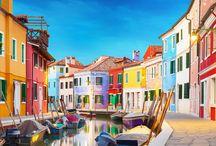 Tendance : Voyage de couleurs / Des marchés de l'Inde aux maisons de la lagune de Venise, les environnements sont subjugués par des coloris uniques. Délicieux à observer, ils se rencontrent et se mélangent en un nombre de pigments infinis qui ont donné son essence à Balsan…
