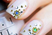 Studd nail art