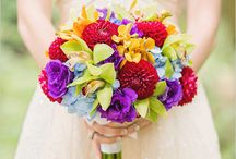 Purple and red wedding bouquets for Lisa