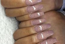 Nails S