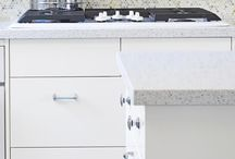 Ikea Applad Kitchens / A collection of Ikea Applad kitchen looks and how to customize in your own space