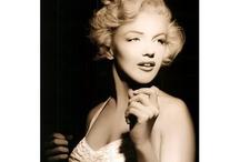Marilyn Monroe <3   / by Catie Dimiceli