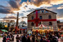 """Ο «Μύλος των ξωτικών» μαγεύει μικρούς και μεγάλους! / Το propaganda.net.gr βρέθηκε στα Τρίκαλα και ο φωτογράφος Γιάννης Μίχης """"κλίκαρε"""" όλα όσα αξίζει να δείτε για να μπείτε για τα καλά σε χριστουγεννιάτικους ρυθμούς!"""