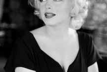 Vintage. / Roupas nasc. fem,. Artistas de cinema,teatro, musica,romances..até déc de 50.