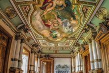 Roztoka - Pałac / Pałac w Roztoce powstał prawdopodobnie w XVI w. jako renesansowy dwór o charakterze obronnym. W 1720 r. został gruntownie rozbudowany na barokową rezydencję rodu von Hochberg.  W czasie II wojny światowej pałac pełnił funkcję składnicy dzieł sztuki dla zbiorów przywiezionych m.in. z Berlina, Wrocławia i Książa.  W 1953 r. został odremontowany, jednak obecnie pozostaje nieużytkowany.