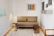 """Gästezimmer / Schlafsofa """"Multy"""" von der Firma Ligne Roset lässt sich leicht umbauen und hat zusätzlich eine sehr bequeme Relaxposition. Dieses Sofa mit einer Breite von 166cm und passt auch in kleinere Räume. Die Liegefläche von 160x200 ist perfekt für 2 Gäste und die Matratze ist super komfortabel."""