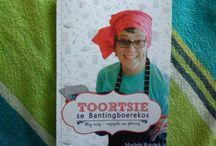 Toortsie se Bantingstories / Toortsie volg die Bantingeetprogram sedert Julie 2014. Op haar blog, toortsie.com, skryf sy op 'n gereelde basis haar ervarings van hierdie leefstyl neer.  Sy het ook die boek, Toortsie se Bantingboerekos, met resepte en stories geskryf.