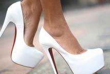 best foot forward / by Mariana Gutierrez