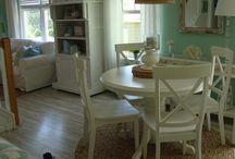 Cottage - Shabby - Coastal - Granny - Vintage - Victorian - Romantic / Decorating