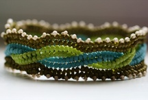 Beading - Herrinbone stitch / www.etsy.com/shop/BeadsOfBohemia - COLLECTION OF HERRINGBONE STITCH Designs, Patterns, Instructions, Inspiration. - pins marked * are FREE patterns or instructions, - pins marked *P are patterns or instructions to buy