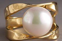 Pearls rings