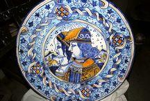 piatti di maiolica / piatto di maiolica dipinti a mano