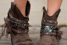 kıyafet-ayakkabı-aksesuar