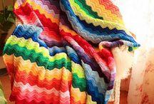 Crochet - blankets / Site full of free rainbow ripple crochet patterns