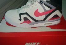 Nike Air Tech II / Toutes les Nike Air Tech II sont chez The Social Sneaks. Achetez et Vendez vos sneakers.