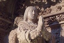 Casa_Trastamara (1350-1504) / La Casa de Trastámara fue una dinastía de origen castellano que reinó en la Corona de Castilla de 1369 a 1555, la Corona de Aragón de 1412 a 1555, el Reino de Navarra de 1425 a 1479 y el Reino de Nápoles de 1458 a 1501 y de 1504 a 1555. La Casa, rama menor de la reinante Casa de Borgoña, toma su nombre del Condado de Trastámara en el noroeste de Galicia, título que ostentaba antes de acceder al trono Enrique II (1369-1379) tras el asesinato en 1369 de su hermanastro Pedro I.