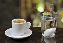 καφεδάκι...! / Πάντα χωράει ένας καφές με φίλους.