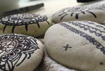 Mandala on stones / Mandala drawing  on stones