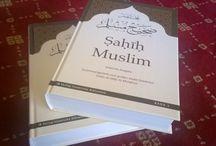 """Sahih Muslim - Gekürzte Ausgabe / """"Sahih Muslim - Gekürzte Ausgabe"""" aus dem Verlag """"Islamische Bibliothek"""" in 1. Auflage"""