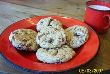 Recipes:  Cookies / by Paula Cronin