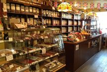 Chobbles Traditional Sweet Shop in Saundersfoot / Chobbles have a range of traditional sweets, chocolate, fudge, Belgian chocolates, nostalgic gifts and kitchenalia. Chobbles also supplier a range of sugar free and gluten free items to cater for all customer needs.