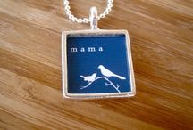 mama necklaces / jewelry that shows off your kids