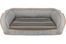 ♥ Modern Dog Beds / Dogs sleep an average of 13 hours a day. It only makes sense to spend this time on a bed that can offer both therapeutic support and aesthetically ingenious design. The beds we sell are made from furniture-grade materials and will last for years to come... as long as nobody decides to chew on them! / by Dog Bar