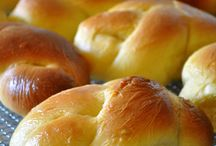 THE BEST OF BAKING / IT'S ABOUT  BAKING BREAD,BUNS ETC.