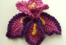 kwiaty szydełkowe, na drutach