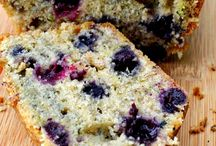 bake goodies / by Rebecca Naillon