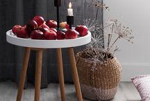 Joulu ja talvi '16 / Pelkistetyn tyylin ystävä sisustaa kotinsa tänä jouluna mustavalkoisella. Jouluna koti voi pukeutua myös raikkaan punavalkoiseen kuosiin, jota höystää häivähdys harmaata. Talvikotiin myös huurteisen harmaan sävyt tuovat  harmonista tunnelmaa.