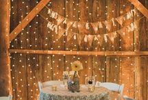 W weddings / by Liz Buhs