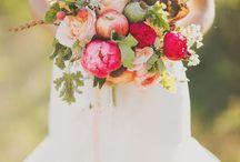 F L O R A L S / Flower bouquets and floral arrangements