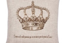 I'm in love with crowns. I can't help it. / by Jaclyn Andreatta