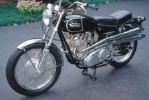 Norton Commando / Motorcycle