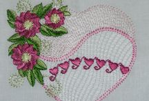 FREE Embroridery Designs / Free Home Machine Embroidery Designs from Needle Little Embroidery ! Beautiful free sample embroidery designs and collectable design series'.
