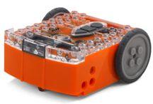MeetEdison / Edison - educational robot. Works with Lego bricks. / Robot vhodný k výuce, je kompatibilní s Lego.