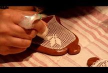Gingerbread Piping Tutorials / icing, piping, gingerbread, gingerbread house