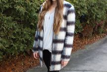 College Fashionista Articles / by Caitlin Gronski