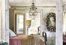 Lovely interiors / Romantic bedroom
