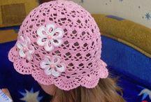 cappellini all'uncinetto  bimbi