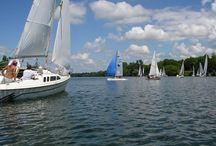 Baignades, sports & loisirs nautiques en Alsace / L'Alsace vous invite à la découverte des sports et activités nautiques ! Seul, en famille ou entre amis, essayez-vous au Canoë Kayak, au rafting, à la plongée, à la pêche...