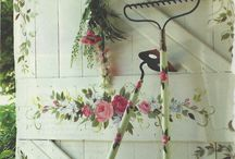 Garden ornaments and decoration. / Ideas for decorating your garden