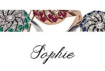 Sophie / #Bibigì, #anelli in oro rosa, oro bianco, #brillanti, #zaffiri, #smeraldi e #rubini. Un design insolito per solitari in oro bianco, oro giallo e oro rosa con straordinari intarsi che ricreano un piacevole effetto di luci. Una linea morbida e avvolgente arricchita da diamanti, zaffiri, smeraldi e rubini.