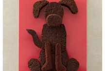 Koerateemalised tordid. Dog-themed cakes. / by Pille Petersoo