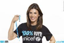 """UNICEF: AL VIA LA CAMPAGNA """"100% VACCINIAMOLI TUTTI"""". TESTIMONIAL ELISABETTA CANALIS / 7 maggio 2014- """"Ogni 20 secondi muore un bambino. Ogni 20 secondi deve suonare un campanello d'allarme. Sono convinta che insieme all'UNICEF possiamo raggiungere ogni bambino. Raggiungere il 100%. Vacciniamoli tutti"""" con queste parole Elisabetta Canalis, lancia – con un video messaggio realizzato appositamente - la campagna internazionale dell'UNICEF """"100% Vacciniamoli tutti""""."""
