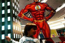 DC Comics | #NextHero / Çocukların severek takip ettikleri, figürleri ile odalarını ve defterlerini süsledikleri birbirinden ünlü karakterler, Next Level'da minik ziyaretçileri ile buluşuyor.   Minikleri hayal ettikleri kahramanlarla tanışmaya bekliyoruz, DC Comics süper kahramanları 18 Ekim'e kadar Next Level'da!